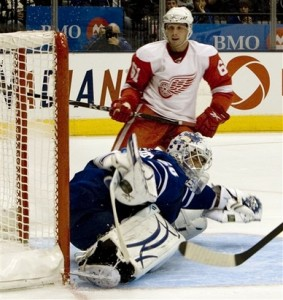 Jonas Gustavsson could be the Leafs' best netminder since Eddie Belfour. (Picture courtesy of yahoo.com)