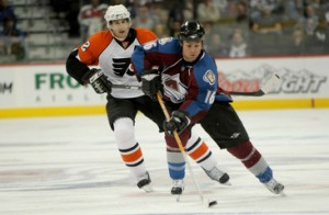 Philadelphia+Flyers+v+Colorado+Avalanche+J9x5I-4mU_im