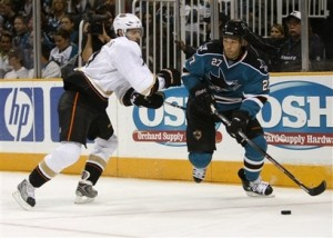 Manny Malhotra seems to have sour graps towards Columbus. (Picture courtesy of yahoo.com)