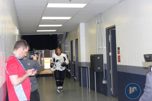 Teemu walks to meet media