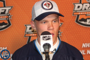 Ehlers at the podium up close